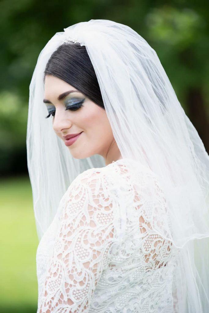 Beautiful bride with smokey eye make up. Photo taken on TWorld Training's wedding photography courses